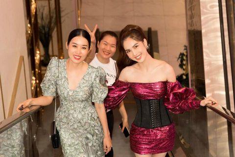Ngọc Trinh hội ngộ á hậu Áo dài Minh Phương (trái).
